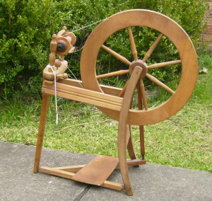 Yarn-spinning-wheel